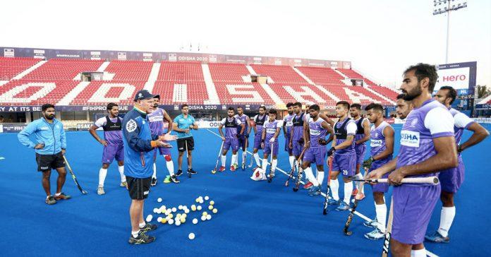 Indian mens hockey team with coach Graham Reid Source Hockey India 696x364
