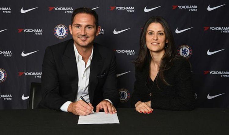 Frank Lampard accompanied by Marina Granovskaya signs a contract.