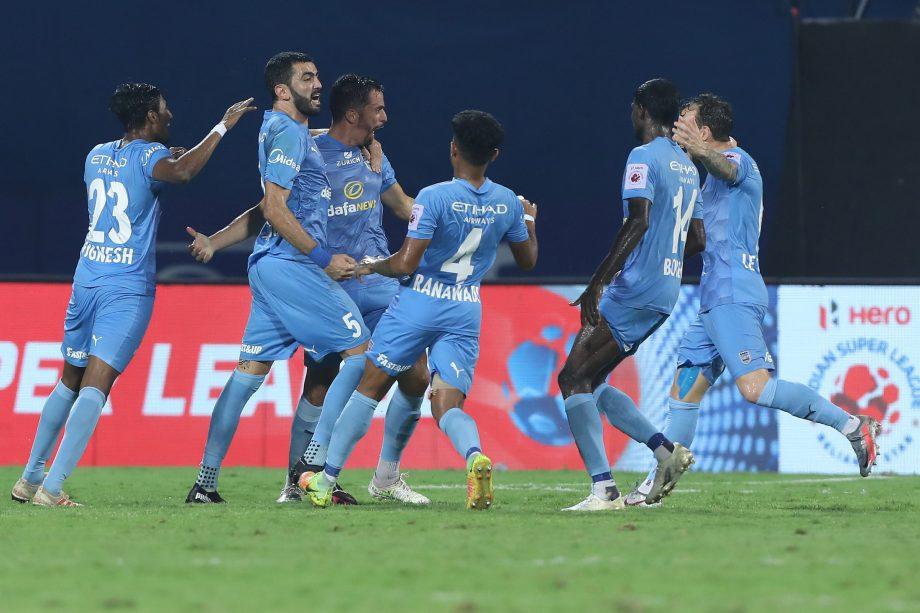 Mumbai City players celebrating a goal